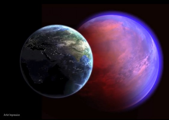 The exoplanet 55 Cancri e compared with Earth in the foreground