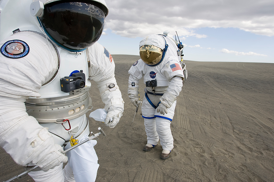 Prototype New Space Suits – The Unified Republic of Stars